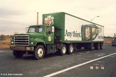 Big Rig Trucks, Semi Trucks, Cool Trucks, Model Truck Kits, International Harvester Truck, Truck Transport, Freightliner Trucks, Vintage Trucks, Rigs