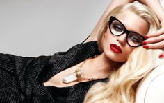 Abbey Lee Kershaw smolders in Tom Ford's latest eyewear campaign for the spring 2011 season. Looking sultry with red lips and her new platinum locks, Abbey Lee wears the label's chic glasses along with a glimpse of Tom Ford's womenswear collection. Tom Ford Glasses, Cat Eye Glasses, Geek Glasses, Nice Glasses, Glasses Frames, Lunette Tom Ford, Look Fashion, Fashion Beauty, Diy Fashion