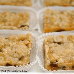 Pink Piccadilly Pastries: Carmelitas for a Crowd Deserts For A Crowd, Food For A Crowd, Great Recipes, Favorite Recipes, Cake Bars, Desert Recipes, Pastries, Cookie Recipes, Sweet Tooth