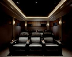 25 Inspirational Modern Home Movie Theater Design Ideas Home Theater design – Heimkino Systemdienste Home Cinema Room, Home Theater Decor, Best Home Theater, At Home Movie Theater, Home Theater Speakers, Home Theater Rooms, Home Theater Seating, Home Theater Projectors, Home Theater Design
