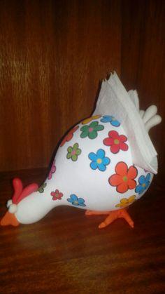 Pottery Sculpture, Pottery Art, Cute Crafts, Diy Crafts, Bird Doodle, Chicken Crafts, Gourds Birdhouse, Hand Painted Gourds, Cement Crafts