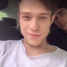 Irama my love❤️😍😘 Shawn Mendes, Persona, Singers, My Life, Bands, Tumblr, Memories, Wallpaper, Friends