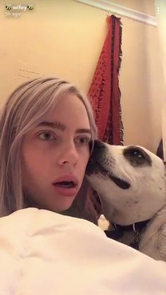 The actual video is hilarious billie eilish, singer, love of my life, singers Billie Eilish, Aesthetic Header, Aesthetic Videos, Six Feet Under, Funny Videos, Love Of My Life, Love Her, Videos Instagram, Album Cover