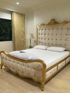 Ivory gold classic bed Classic Bedroom Design, Bed Design, Bedroom Interior, Luxury Bedroom Furniture, Luxurious Bedrooms, Luxury Bedding Sets, Luxury Bedding, Bedroom, Living Room Designs