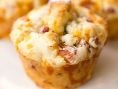 Muffin Cup Ham and Cheese Biscuits - SO GOOD! Great for breakfast, lunch or dinner. Make in a mini muffin pan for parties. Breakfast Smoothie Recipes, Breakfast Muffins, Mini Muffins, Best Breakfast, Breakfast Ideas, Breakfast Potatoes, Cheese Biscuits, Cheese Muffins, Mini Muffin Pan
