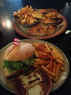 Seriously dreaming of Nandos right now. Food N, Junk Food, Nando's Chicken, Healthy Foods, Healthy Recipes, Dessert Recipes, Desserts, Food Cravings, Study Abroad