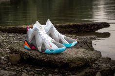 eebad410bd18 Packer Shoes x Reebok Kamikaze II