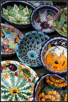 Talavera sink and Talavera tiles / Mexican decor / feeling Portuguese or Moroccan Folk art vibe and hand painted vessel sink. Talavera Pottery, Ceramic Pottery, Ceramic Sink, Grand Art, Mexican Folk Art, Mexican Crafts, Spanish Style, Creations, Inspiration