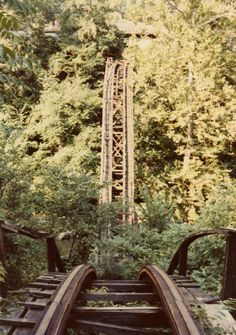 Remember the Comet? (Once Upon a Time, Cascade Park, New Castle, PA) This was my (and still is) favorite roller coaster. Abandoned Theme Parks, Abandoned Amusement Parks, Abandoned Places, New Castle Pennsylvania, Cascade Park, Lawrence County, Spooky Places, Park Around, Great Memories