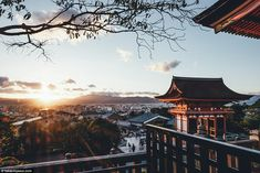 Sunset of the temple: The Kiyomizu-dera temple is part of the Historic Monuments of Ancient Kyoto Unesco World Heritage site