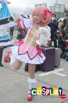 Madoka Kaname Cosplay from Puella Magi Madoka Magica in Winter Comiket 83 2012 Tokyo
