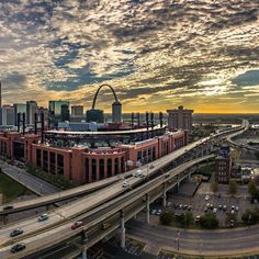 Saint Louis Arch, St Louis Mo, Stl Cardinals, St Louis Cardinals, Great Places, Beautiful Places, Granite City, Gateway Arch, Missouri
