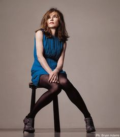 The French have that certain je ne sais quoi. Here is a guide to some of the most beautiful and talented French actresses in history. Isabelle Huppert, Tv Actors, Actors & Actresses, Color Photography, Portrait Photography, Eleanor Rigby, Helmut Newton, French Actress, Nice Legs
