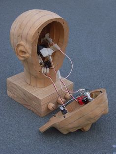 Spooky Animatronic Hand Carved Wooden Head Desk Lamp_5