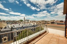 apartment 4 rooms for sale on BORDEAUX (33000)