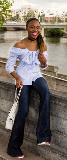 A super cute summer outfit wearing a wide leg flare jeans and a stylish off the shoulder faux sleeve top. Visit the blog for the complete look. Fashion blogger   Style blogger   Fall style   Fall fashion   African   Black girl Casual Street Style, Street Style Women, Alaska Fashion, Birthday Outfit For Women, Trendy Fashion, Fashion Outfits, Fall Pants, Fashion Articles, Cute Summer Outfits