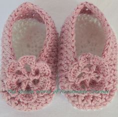 €16. Crochet pink sandals for a baby girl 6-9 months old. Ready to ship.