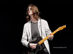 Tom Ogden Blossoms Band, Boys Long Hairstyles, Wonderwall, My Favorite Music, David Bowie, Music Bands, Crushes, Toms, Artists