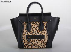 SAC CELINE LUGGAGE MINI LÉOPARD NOIR 1.Marque  : celine 2.Style  : celine Luggage Mini 3.couleurs : léopard Noir 4.Matériel : Importer en cuir d'origine 5.Taille: W30 x H15 x D30 cm Celine Bag, Celine Luggage, Luggage Bags, Tote Handbags, Mini, Clutches, Totes, Style, Bags