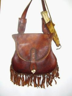 One of the things that inspired me to start making hunting pouches was a lovely bag made by Jerry Fisher in the early 1970s. George P...