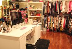 I wouldn't mind a closet like this..