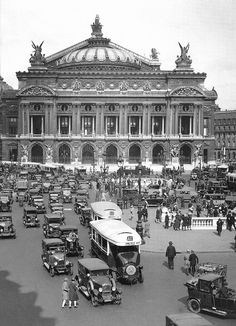 "I have made a trip Trocadero from gare de lyon to the TRocadéro on the rear of these bus. Great -Paris 1930 ""Opera"""