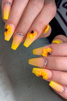 Press on nails coffin shaped yellow ombre nails with sunflower design! Simple Acrylic Nails, Best Acrylic Nails, Sunflower Nail Art, Sunflower Design, Yellow Nails Design, Pink Ombre Nails, Nagellack Design, Broken Nails, Diamond Nails
