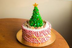 Did you all have a magical Christmas? We love getting creative with food! Show us your Christmas cake creations below! Cakes To Make, Just Cakes, How To Make Cake, Cookies Cupcakes And Cardio, Cake Cookies, Cupcake Cakes, Christmas Tree Cake, Christmas Desserts, Christmas Foods