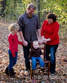 FALL FAMILY PORTRAIT SIBLINGS HIS BLESSINGS PHOTOGRAPHY