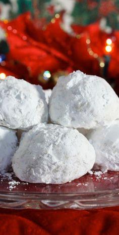 Christmas Pecan Balls recipe from JennyCanCook.com