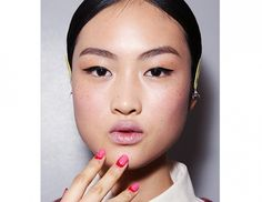 The+Manicures+You+Need+to+See+From+New+York+Fashion+Week+via+@byrdiebeauty