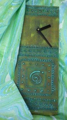 pottery clock | clock by mishmash code hdm8 hand painted wooden clock 1 rs828 00 add ...