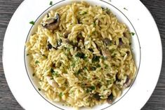 Kritharotto--A creamy and yummy dish, this recipe takes the risotto technique and applies to orzo. Mediterranean Diet Recipes, Mediterranean Dishes, Chickpea And Rice Recipe, Orzo Risotto, Greek Potato Salads, Small Pasta, Risotto Recipes, Orzo Recipes, Dinner Recipes