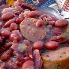 Authentic, No Shortcuts, Louisiana Red Beans and Rice. Cooked in slow cooker for 8 hours then transferred to stove on high heat until creamy. Added jalapeno, red pepper and ham. Creole Recipes, Cajun Recipes, Rice Recipes, Copycat Recipes, Haitian Recipes, Jamaican Recipes, Donut Recipes, Louisiana Red Beans And Rice Recipe, Red Beans N Rice Recipe
