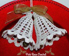Olá!     Estou postando de novo a   Receita deste Sino Christmas Bell,   Enfeite de Natal, que fiz em 2006.                           ...