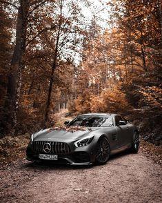 New brand lover! Mercedes Benz Autos, New Mercedes Amg, Carros Audi, Mercedes Wallpaper, Sports Car Wallpaper, Lux Cars, Mc Laren, Automotive Photography, Car Wallpapers