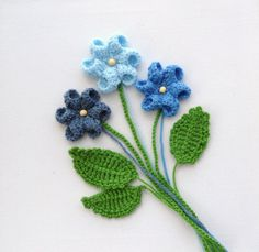 Crochet applique flowers and leaves set any color – made to order - DIY and Crafts Yarn Flowers, Knitted Flowers, Crochet Flower Patterns, Crochet Patterns For Beginners, Crochet Motif, Irish Crochet, Hand Crochet, Crochet Stitches, Crochet Hooks