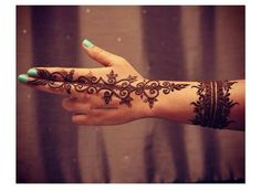 simple n cute party Henna
