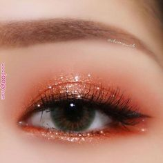 . Share Your Moments Together with ETUDE HOUSE! #에뛰드픽 Winner Will Be Announced Every Saturday . 62번째 에뛰드픽 #트윙클스타 리그램 대공개 #MakeupTutorialStepByStep Korean Makeup Look, Asian Eye Makeup, Dramatic Eye Makeup, Natural Eye Makeup, Natural Beauty, Makeup Trends, Makeup Inspo, Makeup Art, Makeup Inspiration