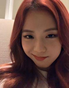 Kpop Girl Groups, Korean Girl Groups, Kpop Girls, Blackpink Jisoo, Memes Blackpink, Blackpink Funny, Funny Facts, Blackpink Members, Black Pink Kpop