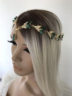 Bridal Crown, Bridal Tiara, Headpiece Wedding, Bridal Headpieces, Wedding Hairstyles For Girls, Antique Wedding Dresses, Crystal Wedding, Wedding Hair Accessories, Hair Pieces