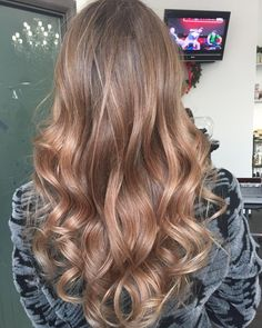 https://therighthairstyles.com/v-cut-and-u-cut-hairstyles/