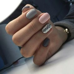 "If you're unfamiliar with nail trends and you hear the words ""coffin nails,"" what comes to mind? It's not nails with coffins drawn on them. It's long nails with a square tip, and the look has. Gorgeous Nails, Love Nails, My Nails, Shellac Nails, No Chip Nails, Style Nails, Beautiful Gorgeous, Nagel Stamping, Nail Swag"