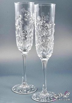 flutes ou verres decores - Page 2 Wine Glass Crafts, Decorated Wine Glasses, Wedding Glasses, Bottle, Tableware, Barware, Modern, Gifts, Wedding Ideas