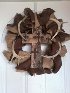 Rustic wooden cross wreath. Gonna make this!