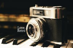 Retro Camera - OGQ Backgrounds HD
