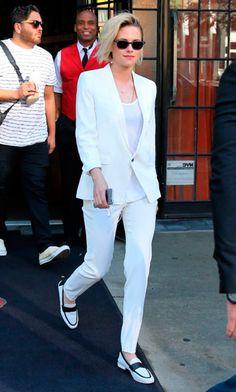 Street style look com terninho branco e oxford.