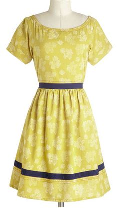 Floral dress in #citron http://rstyle.me/n/hameznyg6