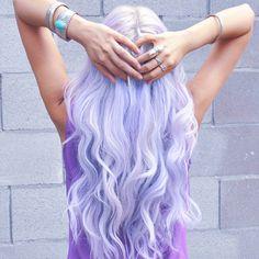 Light lilac hair