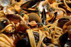 Spaghettoni aux Fruits de Mer © Ana Luthi Tous droits réservés http://www.l-eaualabouche.com/article-spaghettoni-aux-fruits-de-mer-98621606.html